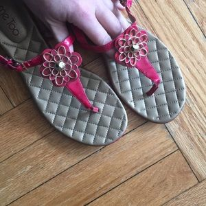Woman's ME TOO sandals